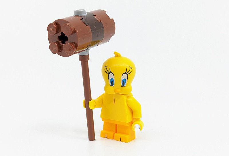 Lego minifigures - Tweety Bird