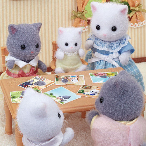 Sylvanian Families - Persian Cat Baby 5456